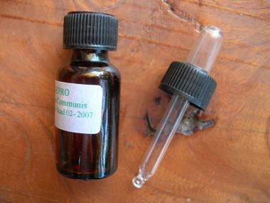 juniperus_communis_huile_essentielle_low.jpg